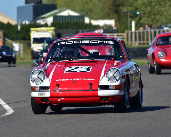Richard Attwood, Porsche 911, Fordwater Trophy, Road going sports and GT cars, 1960 to 1966, Goodwood Revival 2019, September 2019, automobiles, cars, circuit racing, Classic, competition, England, entertainment, event, Goodwood