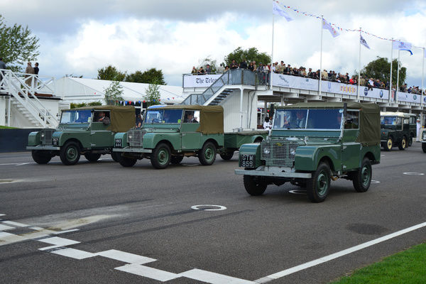Early Land Rovers, Land Rover Parade, Goodwood Revival 2015, 4x4, Defender, Dunsfold collection, four by four, Goodwood, Goodwood Revival, Goodwood Revival 2015, Green Pea, Land Rover, Land Rover Parade, off road, revival