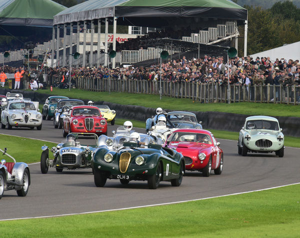 Nick Finburgh, Jaguar XK 120 Roadster, on a packed start, Fordwater Trophy, Goodwood Revival 2015, 50's, 60's, 2015, Chris McEvoy, CJM Photography, classic cars, Fifties, Goodwood, Goodwood Revival, Goodwood Revival 2015, historic cars, Historic Racing