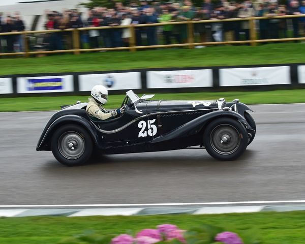 Jonathan Turner, Triumph Dolomite 8C SS Corsica Roadster, Brooklands Trophy, Sports cars, pre-1939, Goodwood Revival 2017, September 2017, automobiles, cars, circuit racing, Classic, competition, England, entertainment, event, Goodwood, Goodwood Revival 2017
