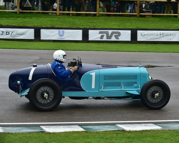 Christopher Mann, Alfa Romeo 8C 2600 Monza, Brooklands Trophy, Sports cars, pre-1939, Goodwood Revival 2017, September 2017, automobiles, cars, circuit racing, Classic, competition, England, entertainment, event, Goodwood, Goodwood Revival 2017