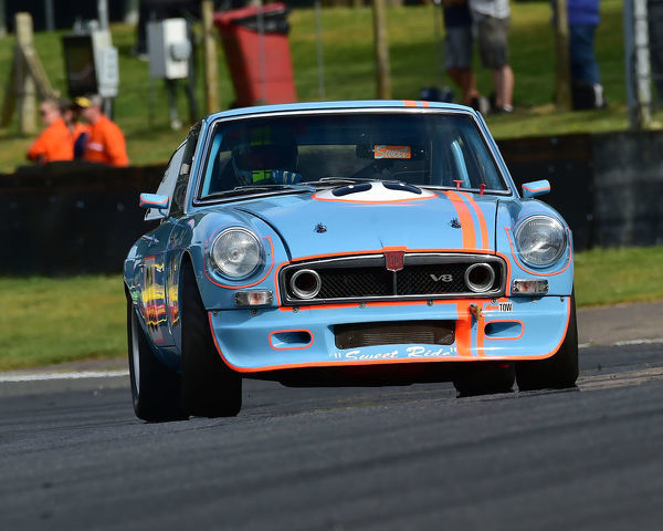 Simon Cripps, MGB GT V8, Bernies V8s, Classic US Muscle Cars, American Speedfest VII, Brands Hatch, June 2019, automobiles, Autosport, cars, circuit racing, England, entertainment, Kent, motor racing, motor sport, motorracing, racing, track racing