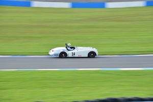 motorsport archive galleries/2014 motorsport archive amoc racing donington park/cj5 4925 christopher scholey jaguar xk 120 50s