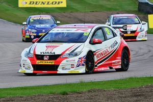 CJ6 1238 Gordon Shedden, Honda Civic Type R