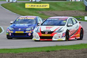 CJ6 1241 Matt Neal, Honda Civic Type R, Andrew Jordan, MG 6GT