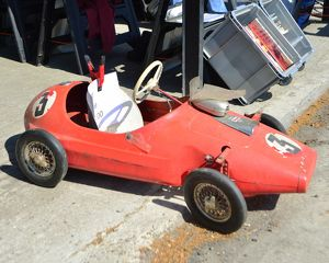 CJ6 8614 Triang pedal car