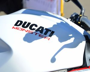 CJ6 9706 Ducati Monster