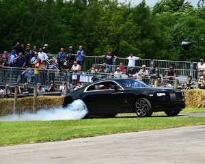motorsport archive galleries/motorsport 2016 goodwood festival speed 2016/cm14 3050 justin law rolls royce wraith black