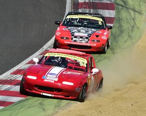CM18 6058 Charlie Burge, Jack Warry, Mazda MX-5s