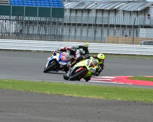 CM2 3312 Barry Chapman, BMW, Oli Henderson, Kawasaki, Morello Services MRO Power Bikes