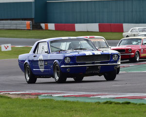 motorsport 2019/donington historic festival 2019/cm27 8657 michael squire ford mustang