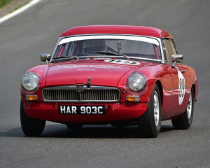 motorsport 2019/masters historic festival brands hatch 2019/cm28 0464 simon barker mgb