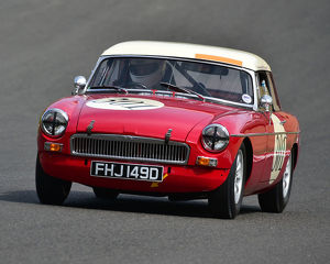motorsport 2019/masters historic festival brands hatch 2019/cm28 0472 nigel batchelor mgb