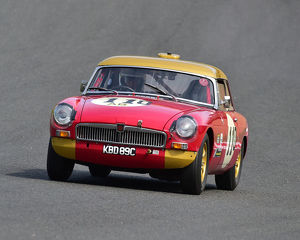 motorsport 2019/masters historic festival brands hatch 2019/cm28 0504 james mcbrien mgb