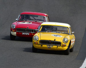 motorsport 2019/masters historic festival brands hatch 2019/cm28 0505 tim greenhill mgb tom smith mgb