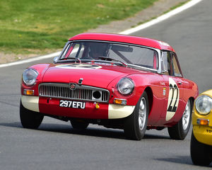 motorsport 2019/masters historic festival brands hatch 2019/cm28 0506 tom smith mgb