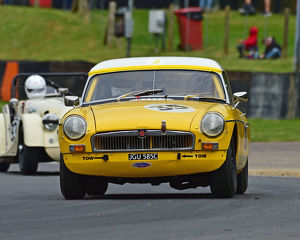 motorsport 2019/masters historic festival brands hatch 2019/cm28 1654 tim greenhill mgb