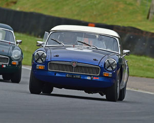 motorsport 2019/masters historic festival brands hatch 2019/cm28 1659 john yea mgb